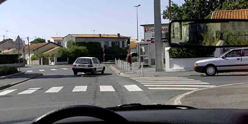 intersection-sans-signalisation-3